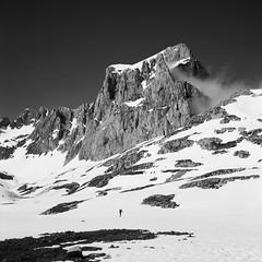 Picos de Europa, Pea Olvidada (fcuencadiaz) Tags: rolleiflex cantabria analogica montaas picosdeeuropa byw ilfordpanfplus libana fotografiaargentica