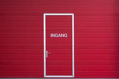 Entrance (Jan van der Wolf) Tags: door red monochrome handle entrance minimal redrule minimalism simple rood minimalistic ingang deur monochroom minimalisme simpel minimlistic map154338vv