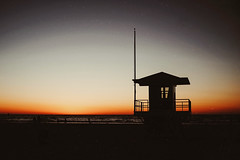Golden hour (tropeone) Tags: sunset usa house beach 35mm florida voigtlander roadtrip shore silhoutte nokton goldenhour clearwater liveguard