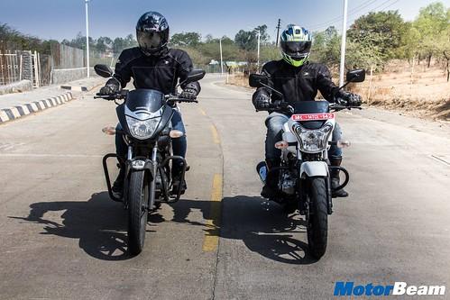 Honda-Unicorn-150-vs-Bajaj-V15-01