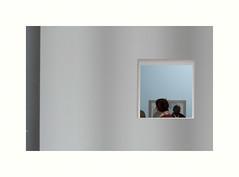 Saynte (hlne chantemerle) Tags: paris femme exposition tableau mur rectangle fentre blanc homme palaisdetokyo carr