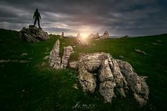 Sobre las rocas (PhotoDyaz) Tags: sun mountain sol silhouette rock landscape twilight nikon flash paisaje wa silueta montaa ocaso roca 1635 strobist josflixgarcadaz photodyaz