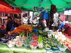 Fruit and Veg (Bury Gardener) Tags: street uk england london candid streetphotography candids streetmarket portobelloroad 2016 streetcandids