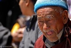 12-06-30 India-Ladakh (303) Hemis R01 (Nikobo3) Tags: travel people india color festival portraits nikon asia ngc social folklore retratos viajes kashmir d200 himalayas gentes jammu culturas hemis twop karakorum wonderfulworld nikond200 omot kachemira ladakd nikon7020028vrii flickrtravelaward festivaldehemis nikobo josgarcacobo