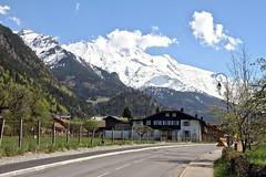 En face du Mont Blanc (Chemose) Tags: road panorama mountain alps les montagne alpes canon landscape eos spring route 7d summit april paysage avril mont blanc printemps montblanc cime hautesavoie sommet contamines contaminesmontjoie
