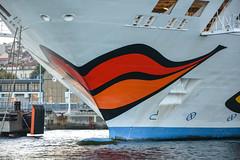 Bouche (Dorian Duplex) Tags: port corse peinture bouche bateau aida coque navire aidavita carene proue etrave