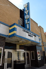 Old movie theater in downtown Monmouth, Illinois (Blake Gumprecht) Tags: illinois closed downtown monmouth rivoli movietheater collegetowns