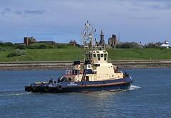 Forth Tyne 200616 (silvermop) Tags: sea port river boats ship ships tyne forth tugs tugboats
