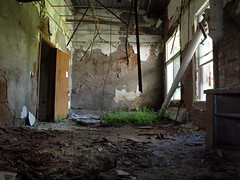 Decayed Room (UHIN.UED) Tags: pictures urban newyork building history abandoned rotting beauty architecture hospital wonder fun photography virginia weird dc crazy dangerous general pennsylvania decay exploring maryland historic haunted medical illegal jersey rough dying left destroyed scarry urbex tuberculosis dierelect
