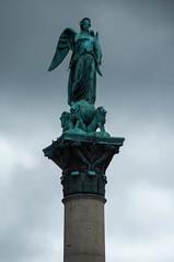 IMGP2205.jpg (Zeilenende) Tags: statue stuttgart engel schlossplatz