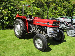 Wortley Hall Classic & Vintage Vehicle Rally 3.7.2016 (31) (bebopalieuday) Tags: tractor sheffield 135 southyorkshire masseyferguson wortleyhall classicvintagevehiclerally