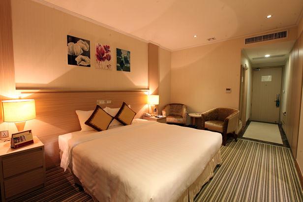 ハノイの日系ホテル:スーパーホテル キャンドル