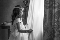 Comunin Mireia II (David.AG) Tags: canon 600d 35mm portrait retrato luznatural naturallight blancoynegro byn bw child kid reportaje nios books primeracomunin comunin
