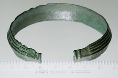 Ring, armring [OBM/FSB468a] (1) (Odense Bys Museer) Tags: ring armring kobberlegering findinge espe