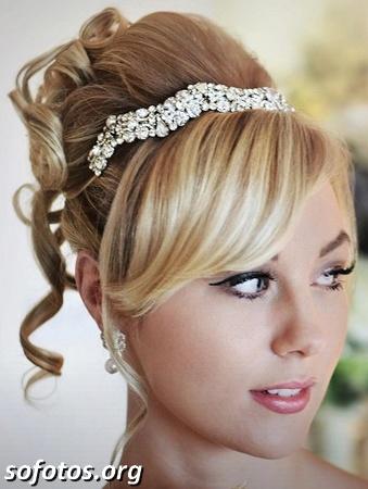Penteado para noiva preso com franja