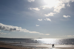 IMG_7371a (chipped_jug) Tags: blue sky cloud sun reflection beach fife walkers leven