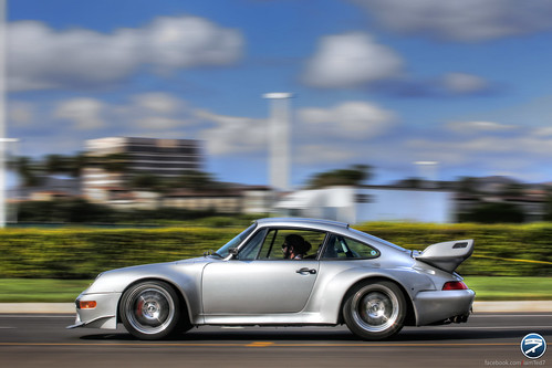 Porsche 911 GT2 on the move