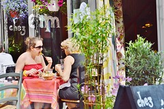 2013-06-08  Chez Mm. 124, rue Saint-Denis 75002 Paris (P.K. - Paris) Tags: street girls people woman paris caf june bar juin terrace outdoor eating pavement candid terrasse gens openair danslarue 2013