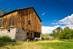 Old and Rusty Barn (Chris Le Texier) Tags: old green clouds barn rural canon july idaho spencer 18135mm 60d spencerid