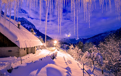 La neige  Montmin, V2, Haute Savoie (Thomas Szymczak) Tags: winter ice topf25 night alpes landscape topf50 topf75 papillon flare neige savoie topf150 paysage topf100 74 nuit ts topf250 topf200 stalactites glace montagnes rhnealpes sambuy montmin canonfrance