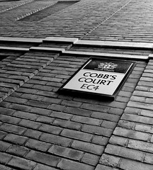 'Cobb's Court' (EZTD) Tags: london foto photos photographs fotos londres oldphotos cityoflondon londinium ec4 fotograaf londonengland cobbscourt eztd eztdphotography photograaf eztdphotos