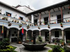 """Quito: la Casa Antonio José de Sucre. Jolie maison coloniale. <a style=""""margin-left:10px; font-size:0.8em;"""" href=""""http://www.flickr.com/photos/127723101@N04/26833253094/"""" target=""""_blank"""">@flickr</a>"""