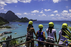 El Nido's canopy walk (julesnene) Tags: travel cliff beach smile rock landscape southeastasia paradise philippines adventure formation limestone girlpower ph whitesand karst elnido palawan canopywalk lastfrontier bacuitbay cadlao julesnene mimaropa juliasumangil canon7dmarkii lastfrontierofthephilippines canon7dmark2