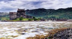 Eilean Donan Castle (scar Torralba) Tags: castle scotland escocia eilean donan castillo