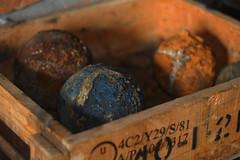 Kule armatnie (jacekbia) Tags: colors balls muzeum kule kolory pitnica oma skrzynia amunicja armatnie