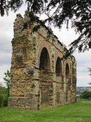 IMG_1209 (busylvie) Tags: france architecture lyon perspective romain aqueduc archologie