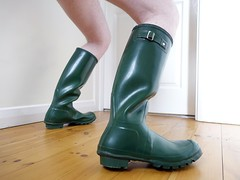 Green Hunter Tuesday (essex_mud_explorer) Tags: green vintage boots gates rubber wellington hunter wellingtonboots welly wellies rubberboots gummistiefel wellingtons gumboots rainboots madeinscotland hunterwellies rubberlaarzen hunterboots hunterwellingtons