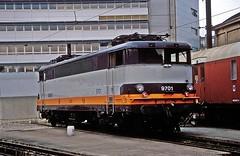 BB-9701  Charolais  27.08.93 (w. + h. brutzer) Tags: france analog train nikon frankreich eisenbahn railway zug trains locomotive bb sncf lokomotive charolais elok eisenbahnen eloks webru