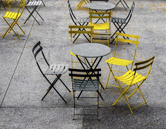 Please, have a seat (Paco CT) Tags: usa ny newyork yellow table relax chair outdoor furniture thing object unitedstatesofamerica silla mesa cosa mueble objeto