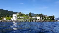isole borromee (7) (giangian239) Tags: lago acqua blu giardino maggiore albero verde prato statua monumento isola isole borromee madre bella superiore panorama paesaggio lungolago