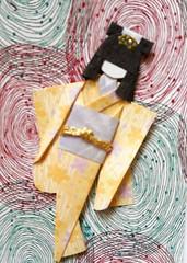 ATC1316 - Vertigo (tengds) Tags: flowers yellow atc artisttradingcard asian japanese card geisha kimono obi origamipaper papercraft japanesepaper ningyo handmadecard chiyogami blueviolet japanesepaperdoll nailsticker paperscrap origamidoll nailartsticker tengds