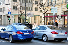 M5 F10 + M550d xDrive (JMatadepera) Tags: new blue color berlin cars beautiful speed silver germany amazing nice nikon diesel year fast f10 alemania specs plates kg nikkor rims brand año weight m5 detalles supercar v8 exhaust escapes supercharged peso supercars combo datos tecnica biturbo bwm specifications ficha acceleration especificaciones tecnicos xdrive aceleracion nikonlover 8cylinders d300s superdeportivo 8cilindros triturbo m550d supercarinsanity carsdaily