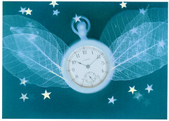 time flies (Robert Couse-Baker) Tags: clock wings time hours arrow timer minutes seconds 1010 hss duration minutehand lumenprints slidersunday ellapsed