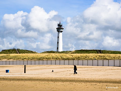 DSC_4052 vuurtoren (Wilf place) Tags: sea zee water kust coast beach blue holland noordzee wolken clouds air lucht vuurtoren lighthouse