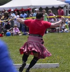HIGHLAND GAMES _DSC4422 (slimjim340) Tags: hammer games highland kilts throw