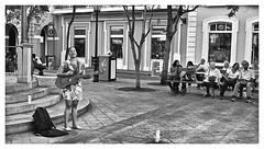 Artista Sanjuanera (Samy Collazo) Tags: street musician kodak guitar puertorico guitarra streetphotography sanjuan kodaktrix yashica guitarrista streetmusician kodakfilm guitarrist streetphotographer musico yashicaelectro35gs fotocallejera fotografiaurbana streetcapture kodakd76 streephotography fotografiacallejera musicocallejero fotografiadecalle fotourbana lightroom3 samycollazo silverefexpro2 yashinon45mmdxf17