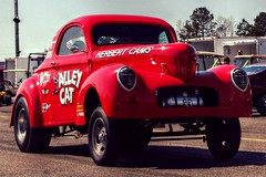 "Willys Gasser ""Alley Cat"" (osubuckialum) Tags: red nc favorites northcarolina racing nostalgia customized myfavorites alleycat 1941 dragracing willys 41 gasser redcar roxboro 2013 easterbash cust hotrode roxborodragway"