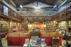 Le Somail Librairie Ancienne (/Reality Scanner/) Tags: travel vacation france frankreich holidays urlaub books historic le fujifilm documentation bookshop roussillon livres languedoc doy antiquariat reise sdfrankreich bcher historique historisch realitt xe1 somail