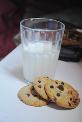 (crawling back to you) Tags: cookies milk nikon d3000