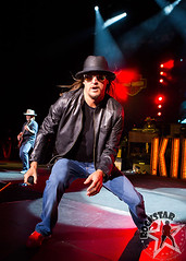 176032254SL055_Kid_Rock_And