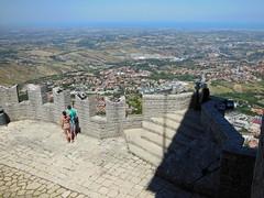 20130812_048 Repubblica San Marino (Frabjous Daze) Tags: mountain sanmarino monte threetowers vuori repubblicasanmarino montetitano dellaguaita ensimminentorni kolmetornia