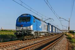 335-001 (evarujo) Tags: train tren tarragona adif canon28135mmis elvendrell canoneos400d comsa santvicendecalders 335001