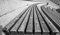 Allez allez! S'il vous plat! (Bhalalhaika) Tags: blackandwhite bw girl lines oslo kids bench running fornebu wodden snarya fornebo matsanda bhalalhaika vision:outdoor=0966
