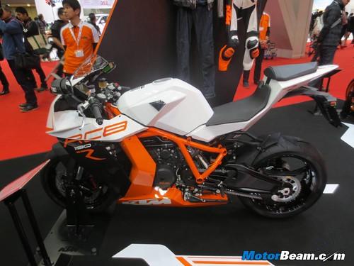KTM-Tokyo-Motor-Show-2013-18