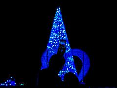 silhouette  -  Osaka,Japan (tai_nkm) Tags: christmas xmas blue light shadow reflection silhouette japan osaka lightandshadow vision:dark=093 vision:outdoor=0948