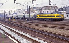 NMBS 5168 @ Berchem (Peter Van Gestel) Tags: station 25 51 27 serie berchem trein ligne lijn nmbs reeks statie sncb graanwagens transcereal